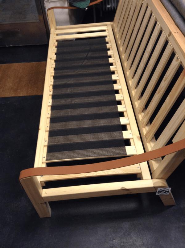 Anti glid till futonmadrasser / futonbäddsoffor