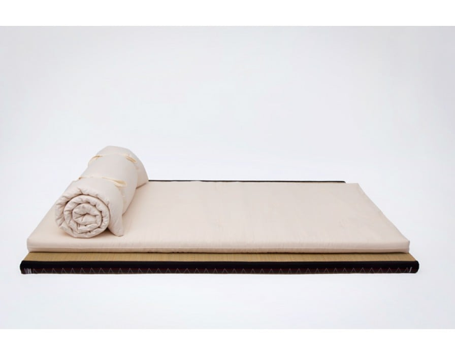 Yasumi shiatsu madrass i valfri storlek från futonwerk